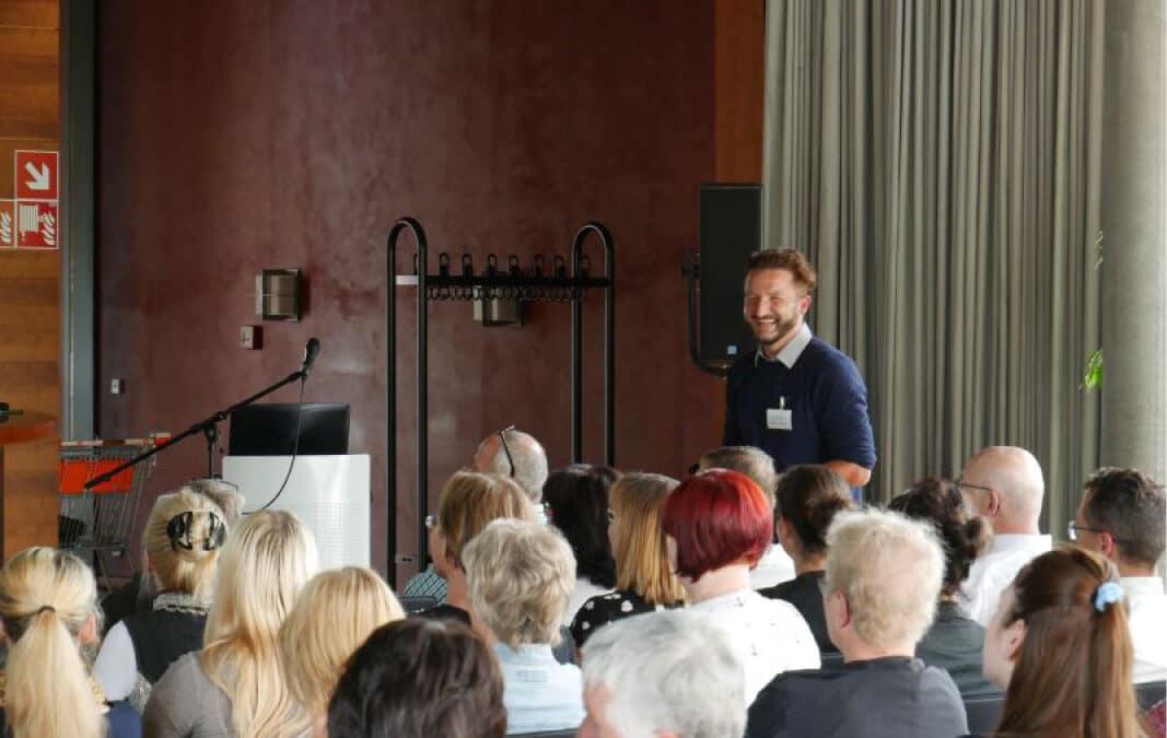 Gastgeber-Versammlung in Weimar